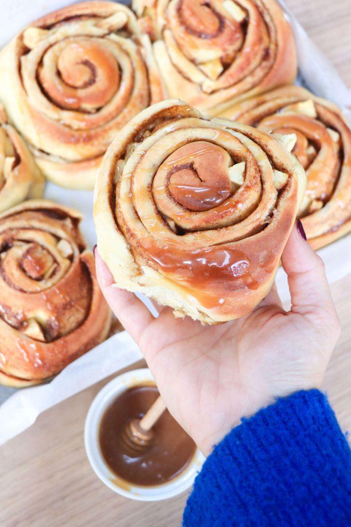 apple-caramel-cinnamon-rolls